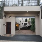 Acorn B&B Parking Entrance - Guesthouse Accommodation - Berea, Durban, South Africa