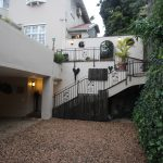 Acorn B&B Outdoor Parking - Guesthouse Accommodation - Berea, Durban, South Africa